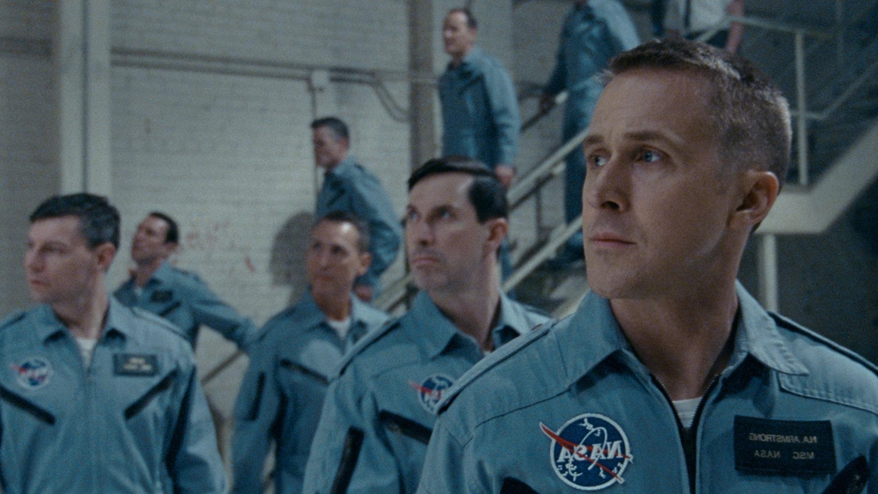 Aktualnie w kinie #207: Pierwszy człowiek, Zwyczajna przysługa